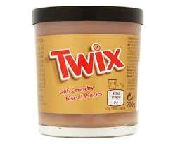 Crema Twix, de chocolate con leche, caramelo y trocitos de galleta.