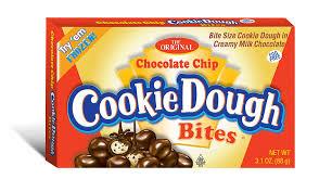 Bolitas de cookie Dough con chispitas de chocolate y recubiertas de chocolate con leche