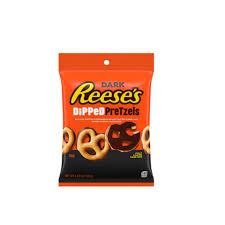 Nuevos Pretzel cubiertos de mantequilla de cacahuete Reese's y chocolate negro Hershey's.