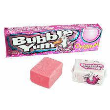 Haz pompas gigantes con los Chicles Bubble Yum Original con sabor a algodón de azúcar.
